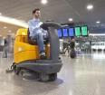 Samojezdna maszyna czyszcząca TASKI